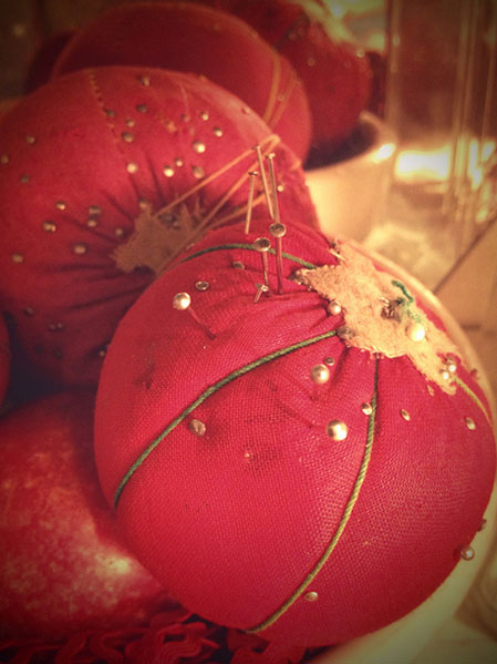 sewing-tomatoes